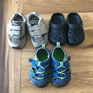 Bundle of 3 pairs of toddler shoes size 5